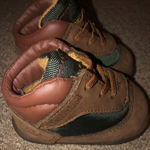 Baby boy timberland boots beef & broccs size 1